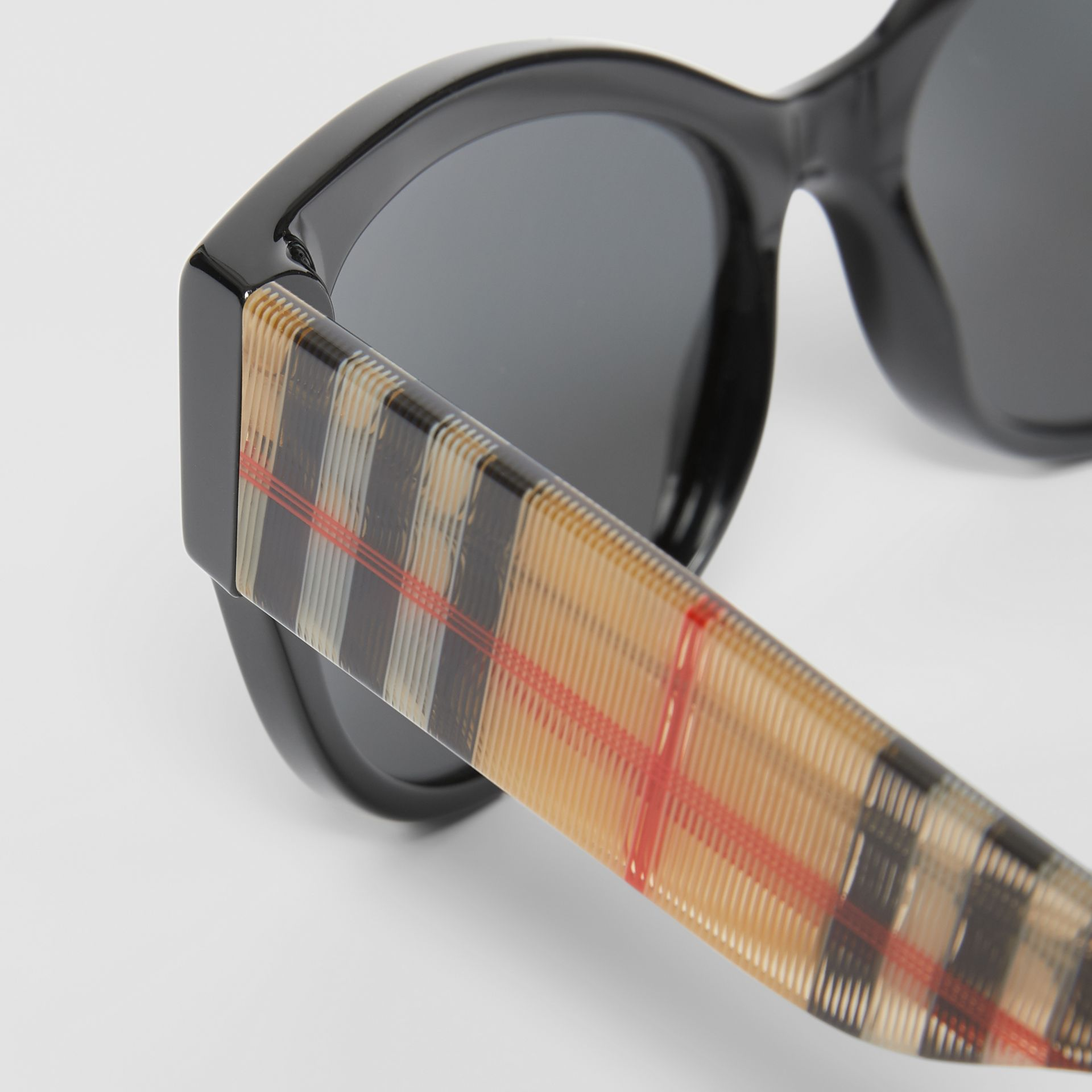 Vintage Check Detail Butterfly Frame Sunglasses in Black/beige | Burberry United Kingdom - gallery image 1