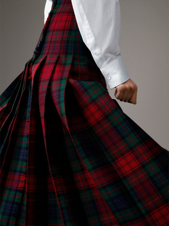 Tartan Wool High-waisted Kilt in Bright Red