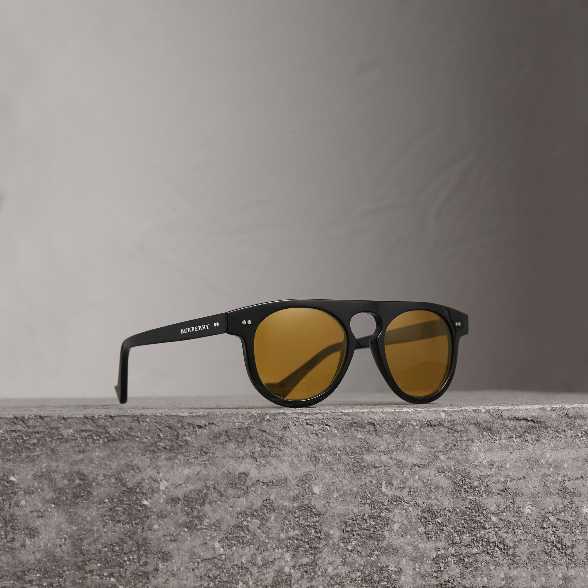 The Keyhole Round Frame Sunglasses in Black/yellow | Burberry Australia - gallery image 0
