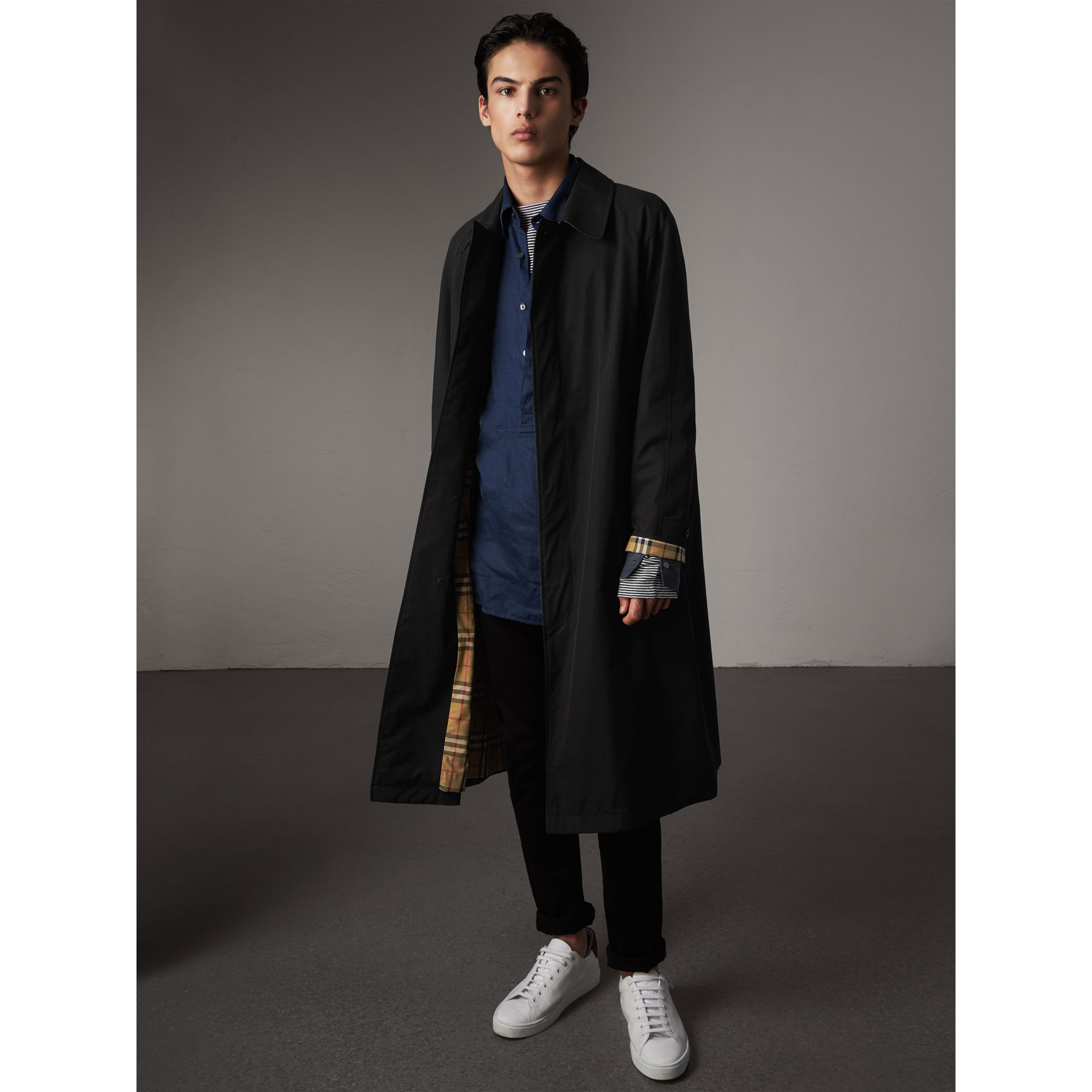 The Brighton – Extra-long Car Coat – Online Exclusive in Black - Men | Burberry - gallery image 1
