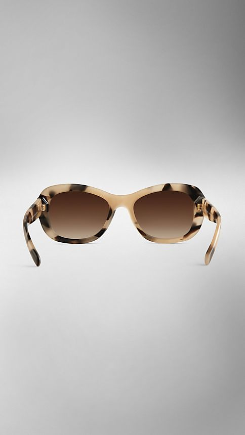 Mid tone horn Trench Collection Round Frame Sunglasses - Image 3
