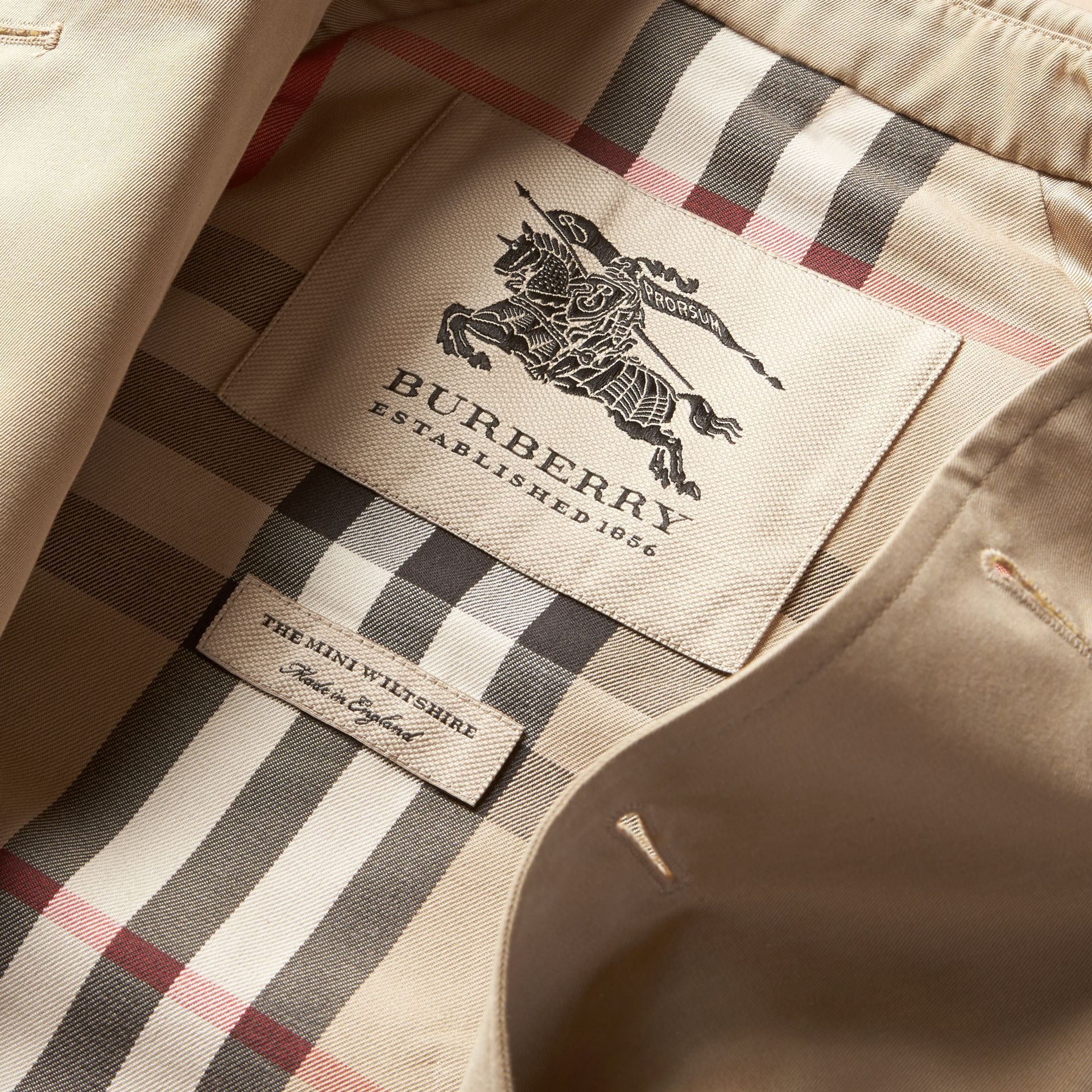 The Wiltshire – Heritage Trench Coat in Stone - Boy | Burberry - gallery image 7