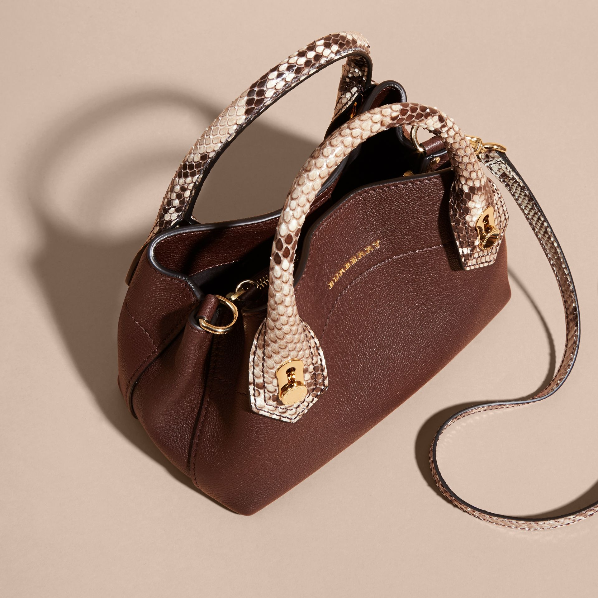 Sac The Baby Milton en cuir et python - photo de la galerie 7