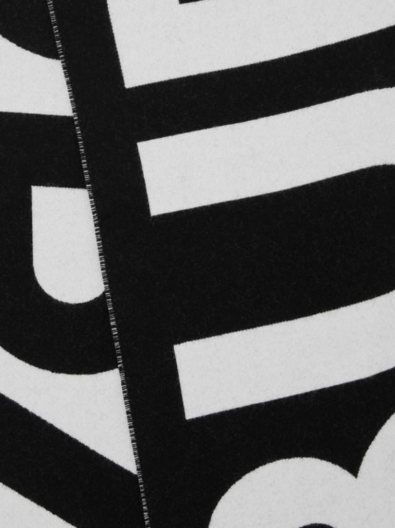 徽標羊毛提花圍巾 (黑色) | Burberry - cell image 1