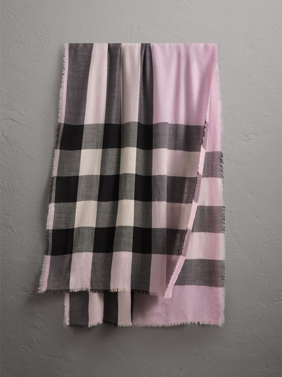 The Lightweight Check Cashmere Scarf in Dusty Lilac