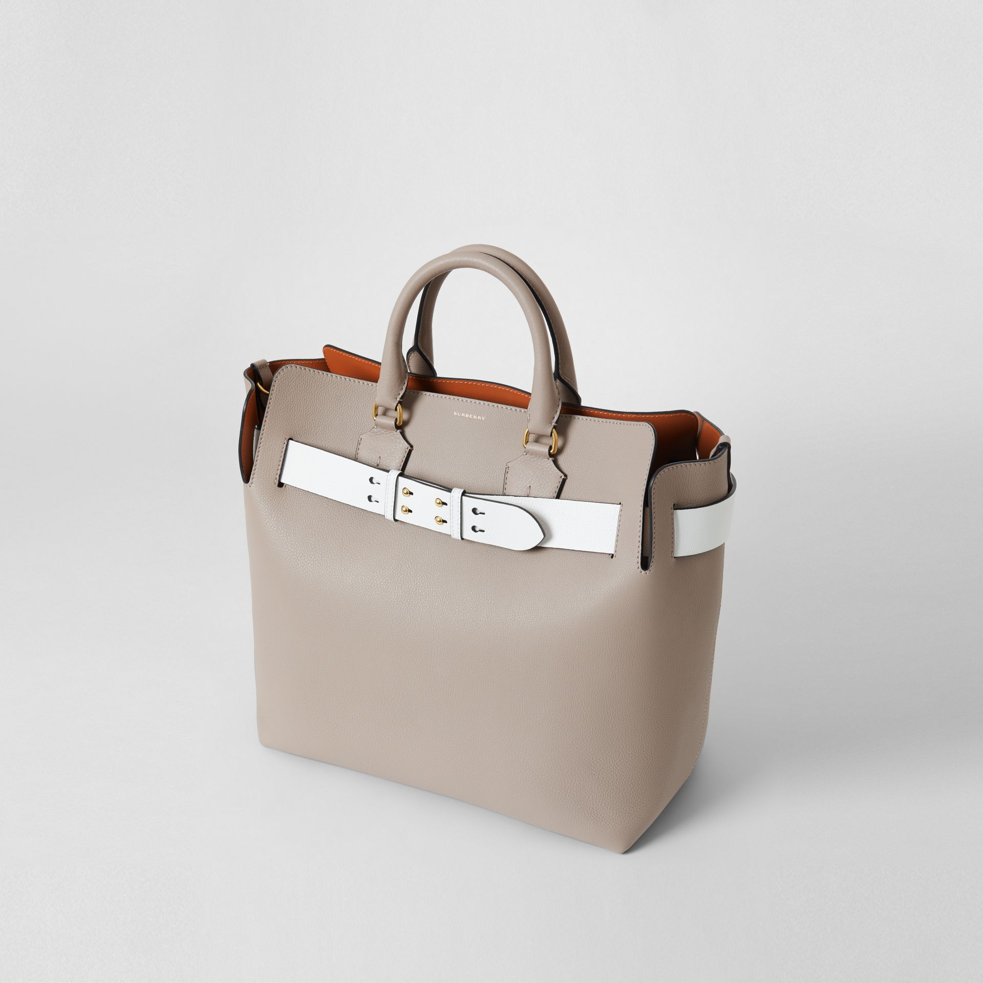 The Large Leather Belt Bag in Mineral Grey | Burberry United Kingdom - gallery image 4