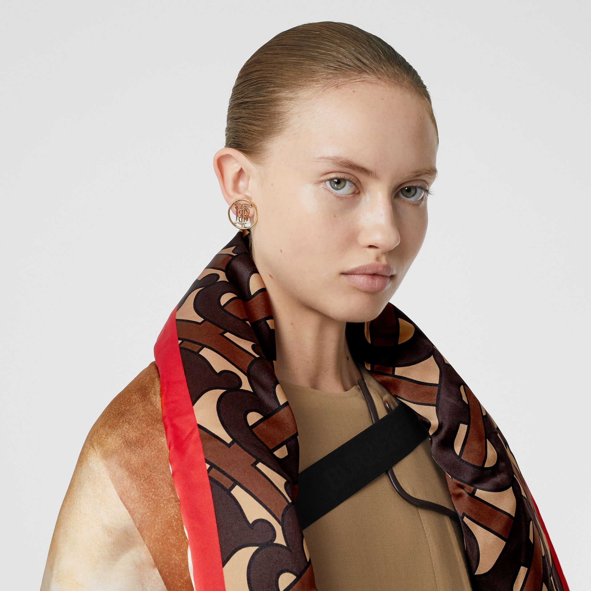 Mariner Print Silk Satin Oversized Puffer Cape in Bridle Brown - Women | Burberry - gallery image 1