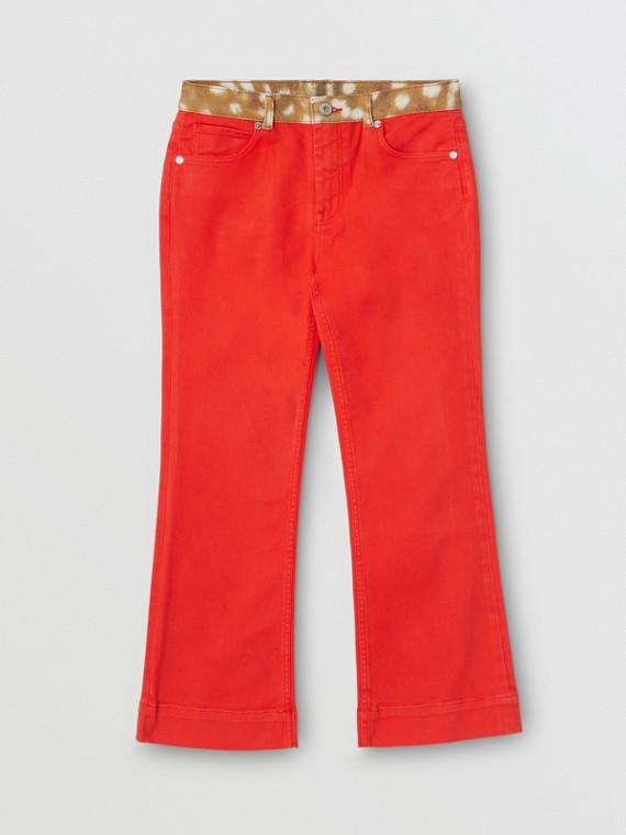 Jeans a zampa d'elefante in denim giapponese con stampa cerbiatto (Rosso Intenso)