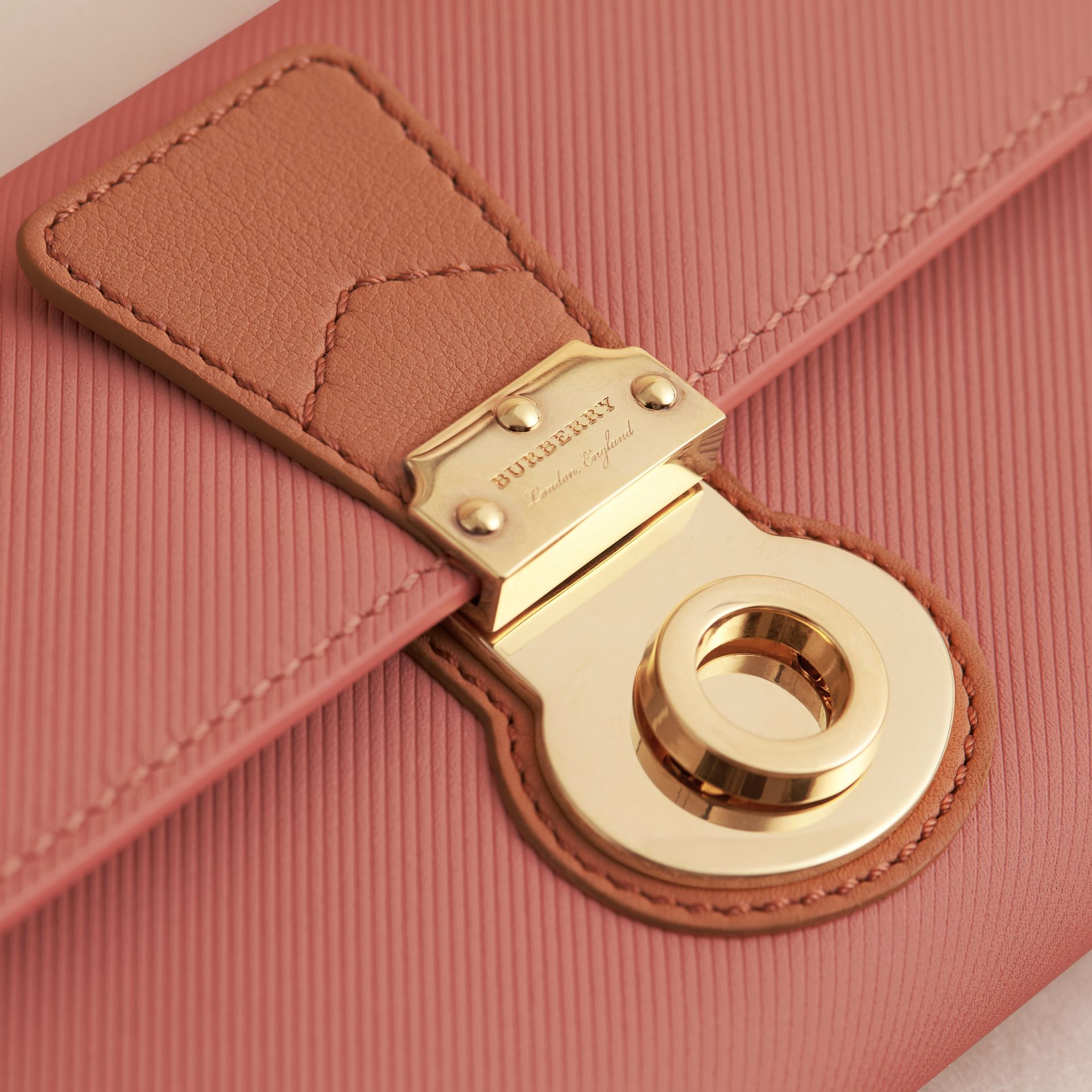 Two-tone Trench Leather Continental Wallet Ash Rose/pale Clementine - gallery image 2