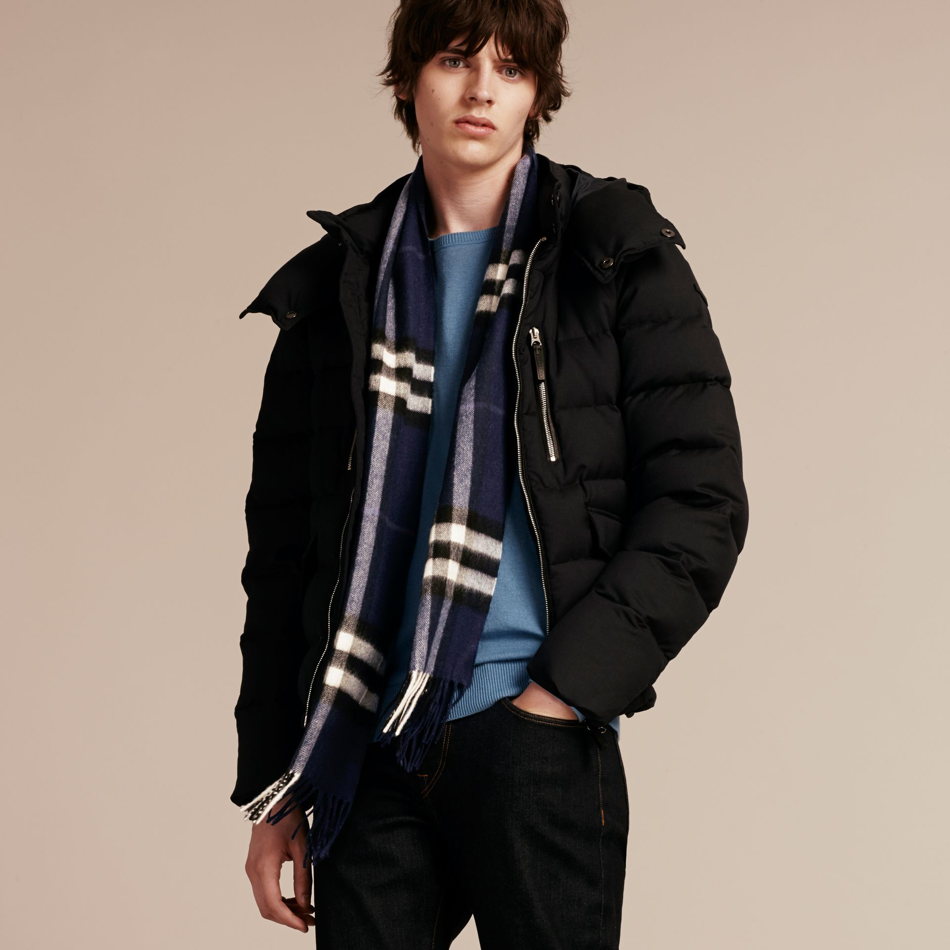The Classic Cashmere Scarf in Check in Indigo Blue | Burberry - gallery image 4