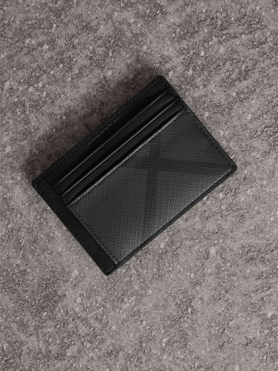 London Check Money Clip Card Case in Charcoal/black