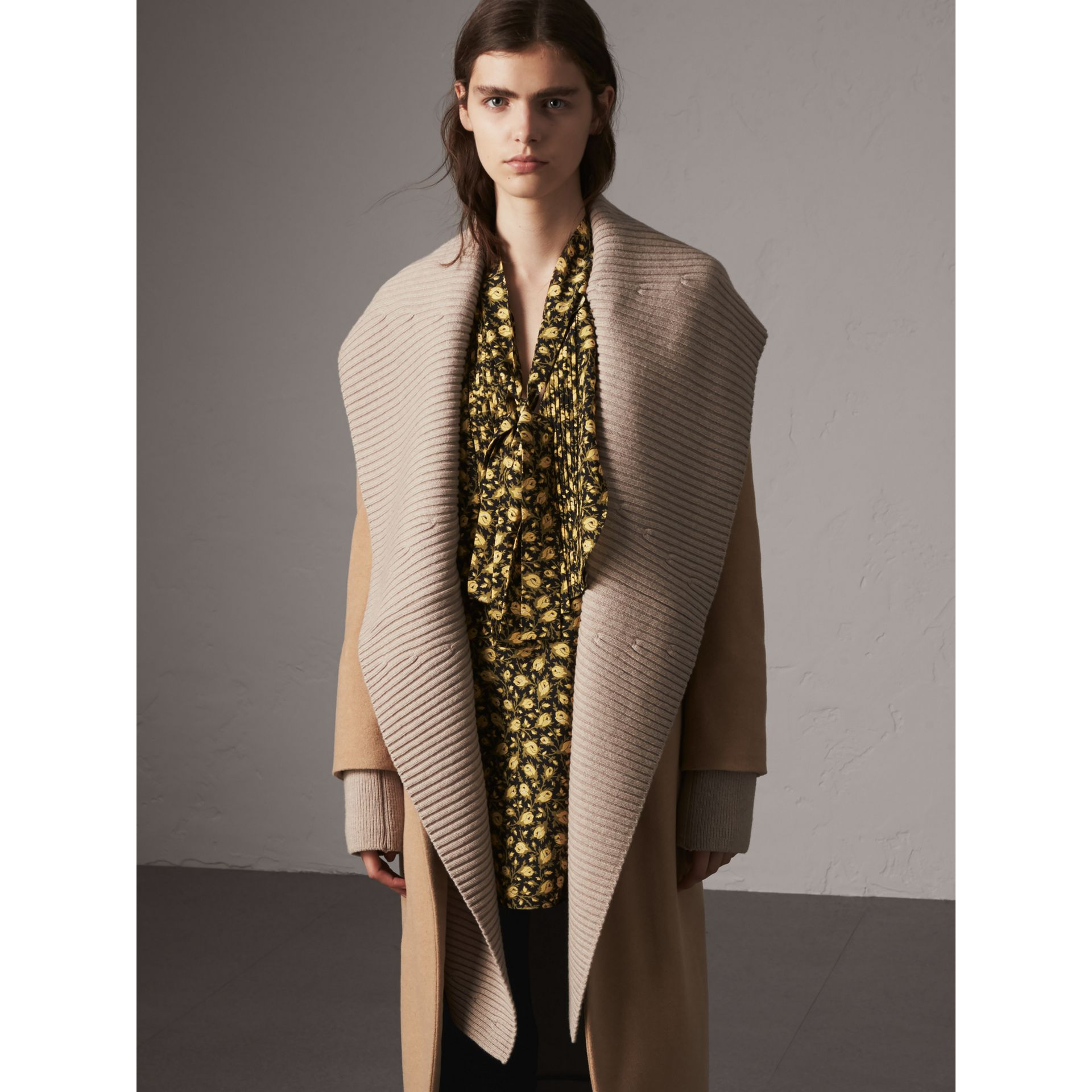 Detachable Rib Knit Collar Cashmere Coat in Camel - Women | Burberry - gallery image 7