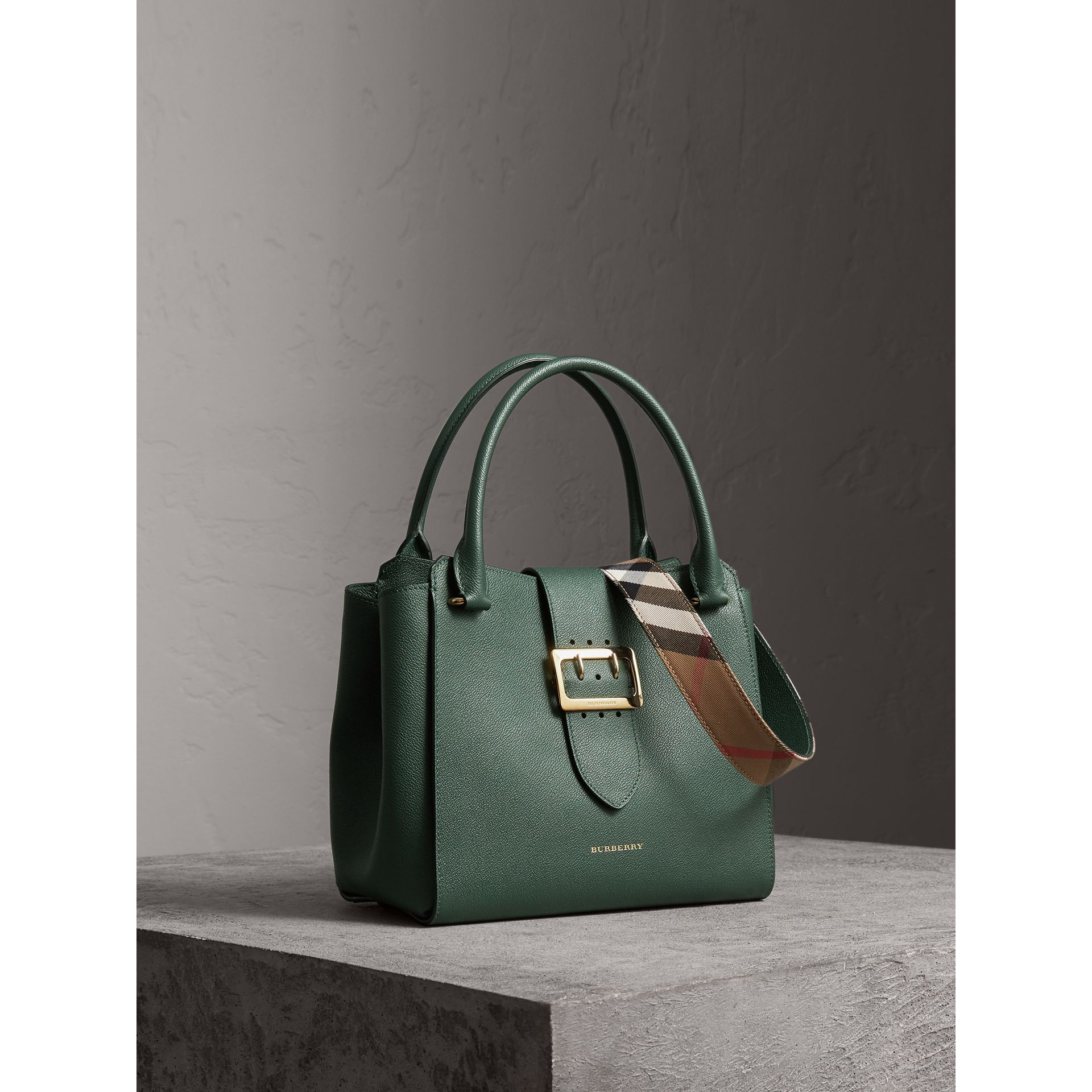 The Medium Buckle Tote in Grainy Leather in Sea Green - Women | Burberry United Kingdom - gallery image 8