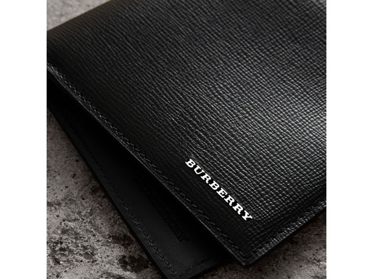 London Leather International Bifold Wallet in Black | Burberry United Kingdom - cell image 1
