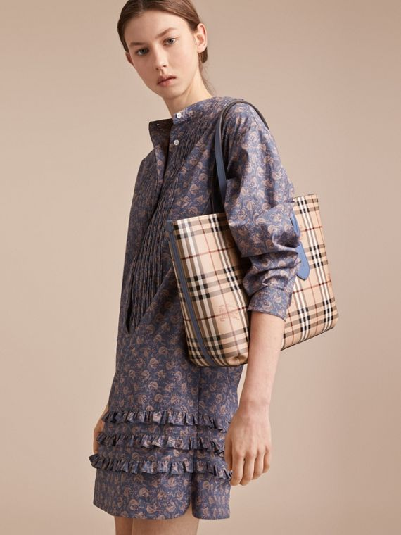 The Medium Reversible Tote in Haymarket Check and Leather in Slate Blue - Women | Burberry - cell image 3