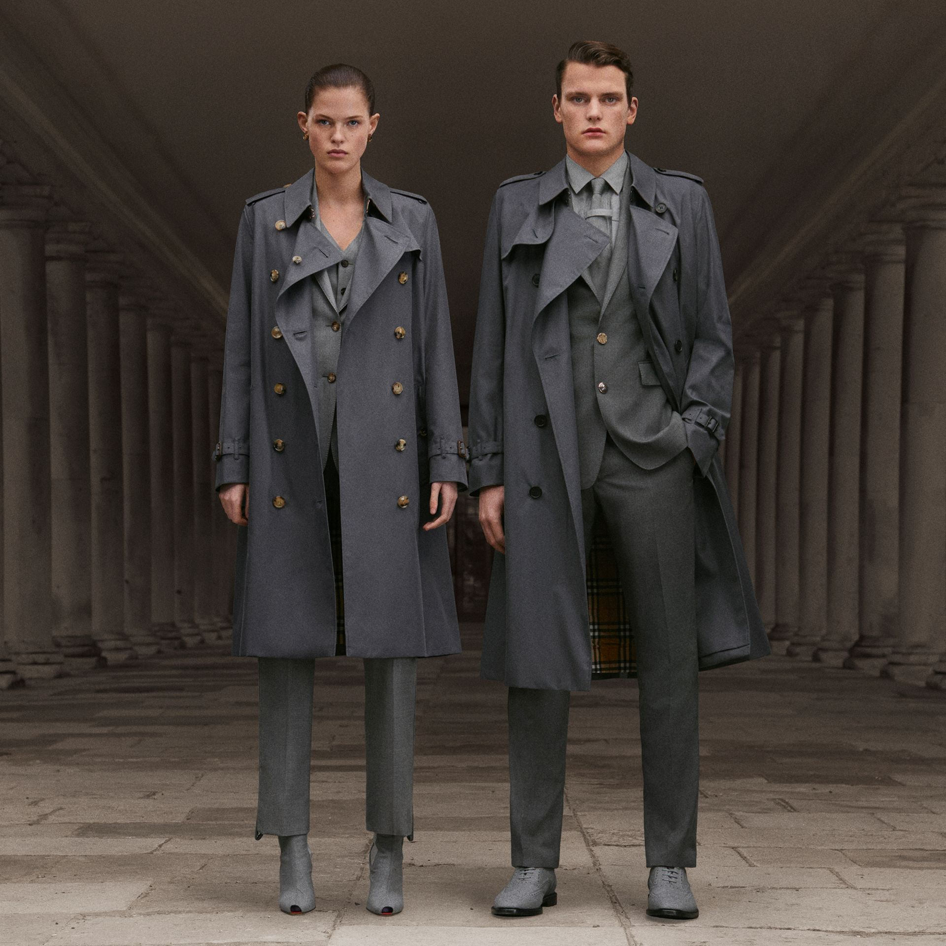 Trench Heritage The Kensington (Gris Moyen) - Femme | Burberry Canada - photo de la galerie 1