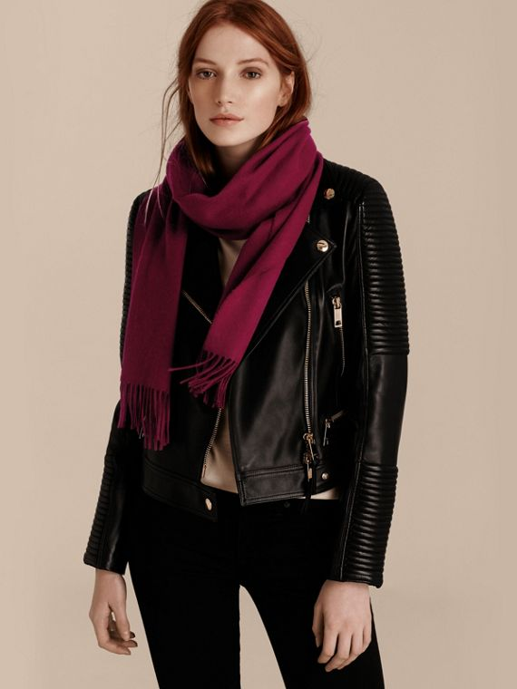 The Classic Cashmere Scarf in Plum - cell image 2