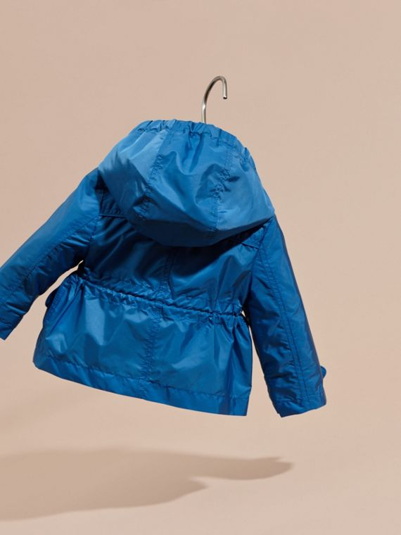 Hooded Packaway Technical Jacket in Hydrangea Blue - cell image 3