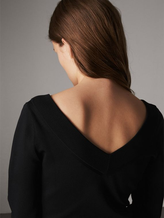 어시메트릭 니트 브이넥 드레스 (블랙)