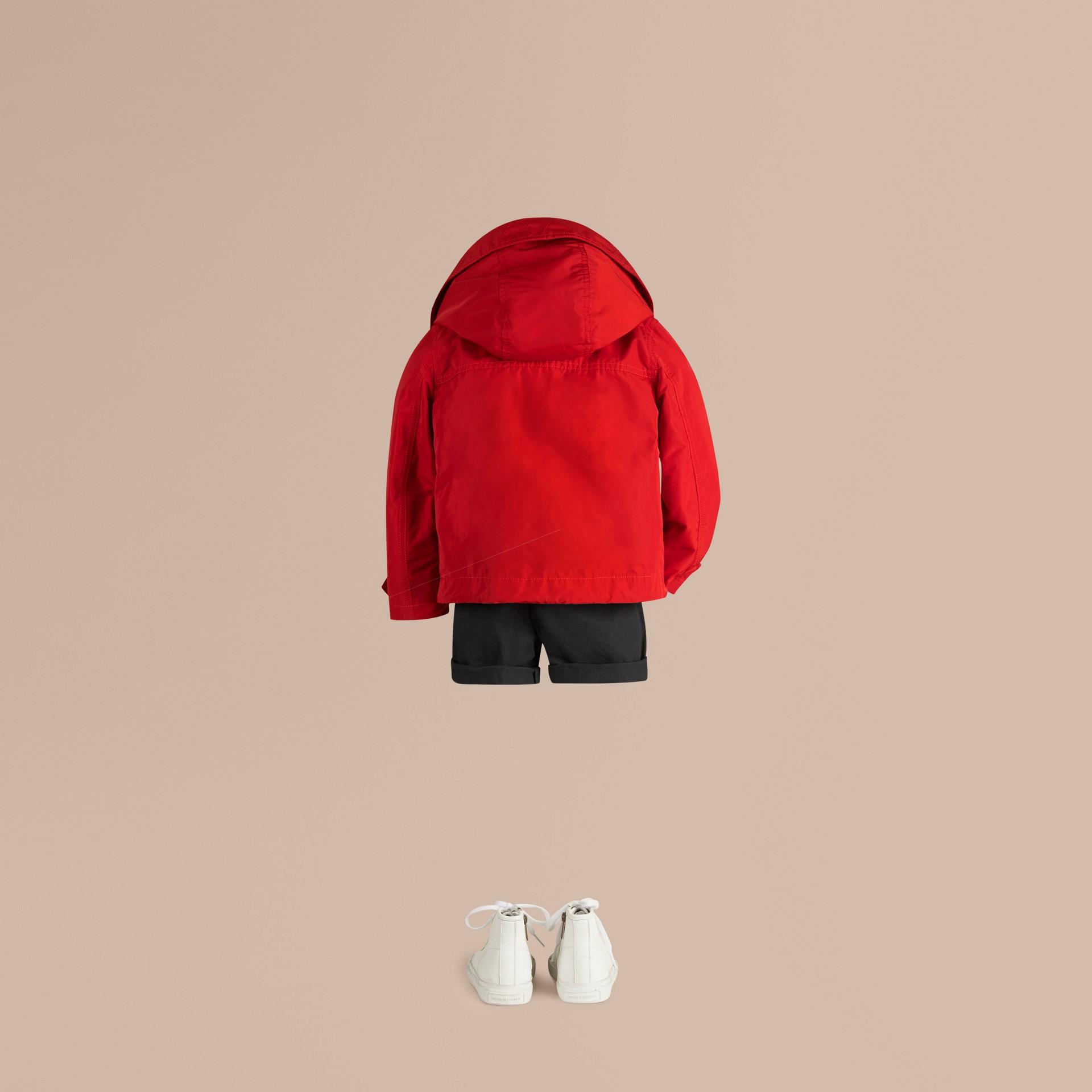 Rosso militare Giacca tecnica packaway con cappuccio Rosso Militare - immagine della galleria 4
