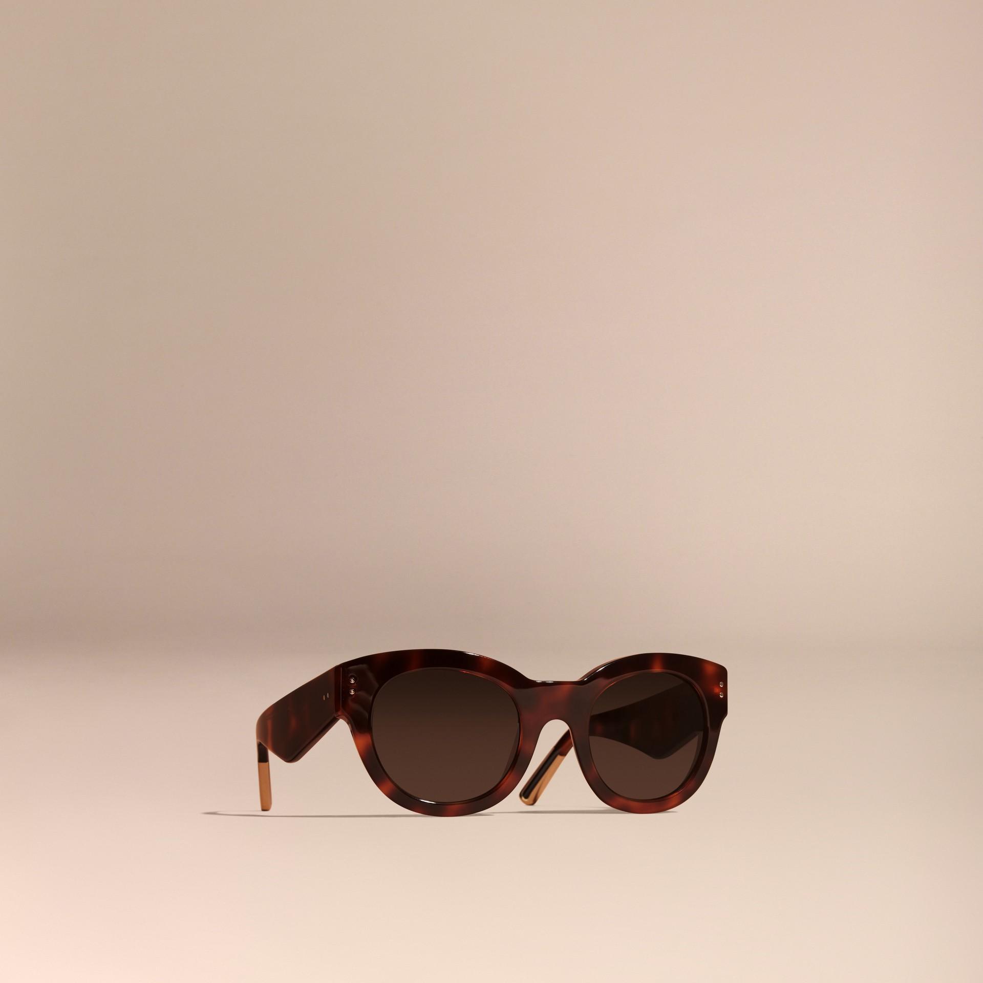 Écaille de tortue Lunettes de soleil à monture œil-de-chat Écaille  Tortue - photo de la galerie 1