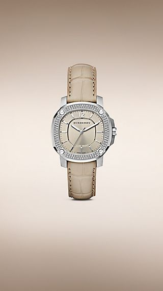 The Britain BBY1400 38mm com engaste de diamantes