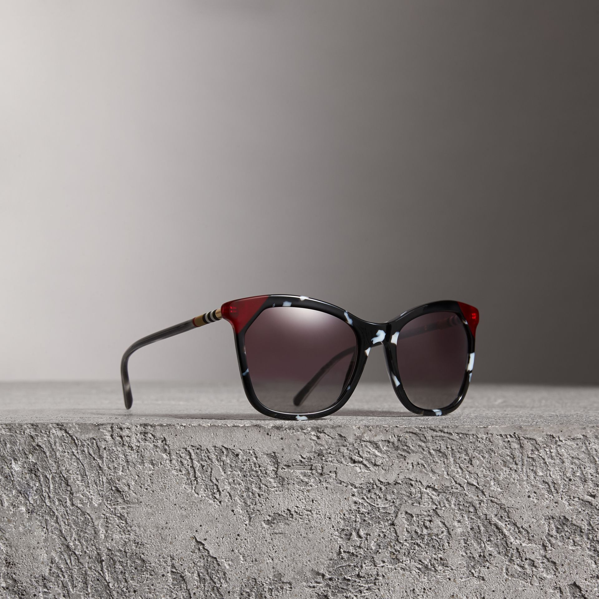 Tortoiseshell Square Frame Sunglasses in Dark Grey - Women | Burberry Australia - gallery image 0