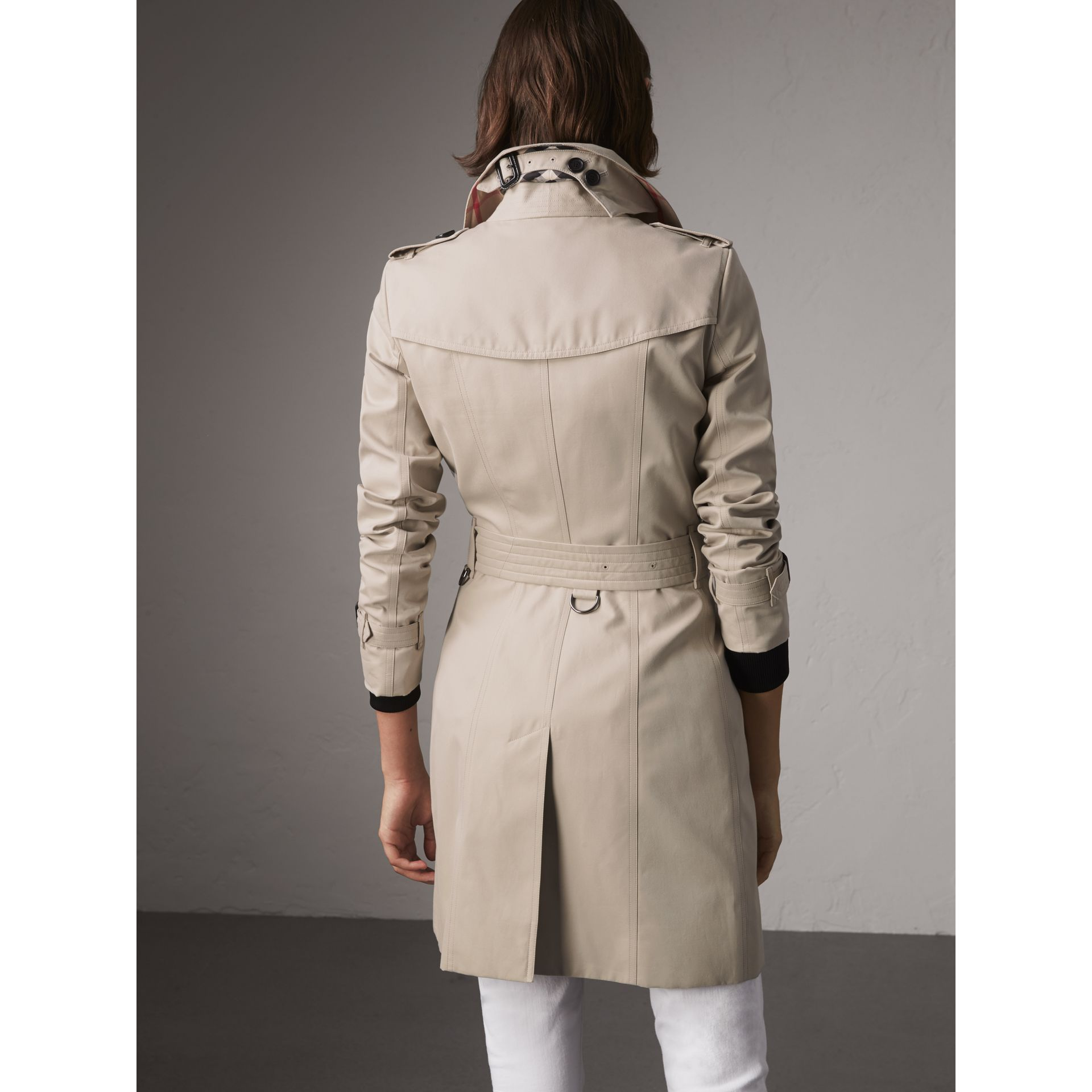 The Chelsea – Mid-length Heritage Trench Coat in Stone - Women | Burberry Canada - gallery image 3