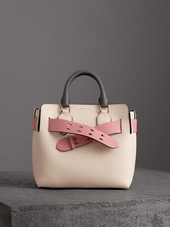The Small Belt Bag aus Leder in Dreitonoptik (Kalksteinfarben/altrosenfarben)