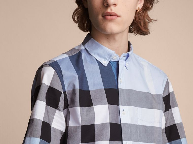Button-down Collar Short-sleeve Check Cotton Shirt in Lupin Blue - Men | Burberry - cell image 4