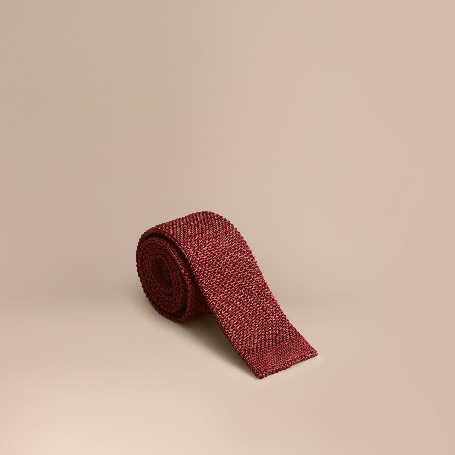 Slim Cut Knitted Silk Tie in Deep Red - gallery image 1