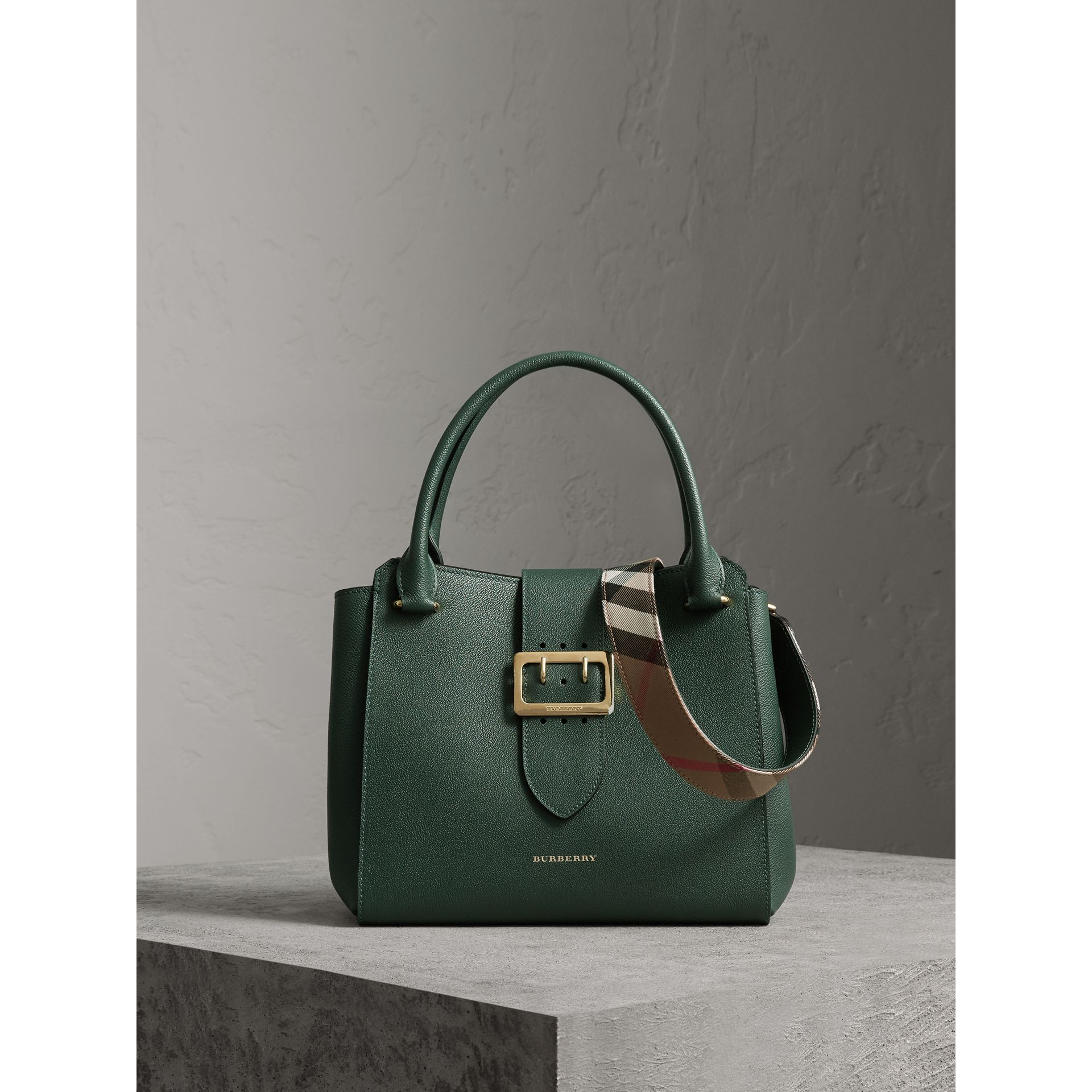 The Medium Buckle Tote in Grainy Leather in Sea Green - Women | Burberry United Kingdom - gallery image 1