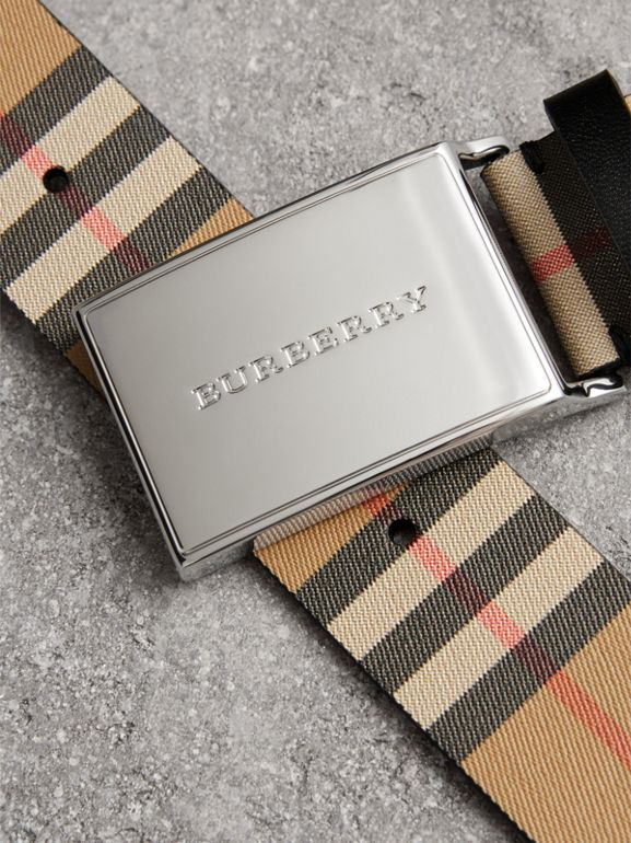 Plaque Buckle Vintage Check Leather Belt in Black - Men | Burberry - cell image 1