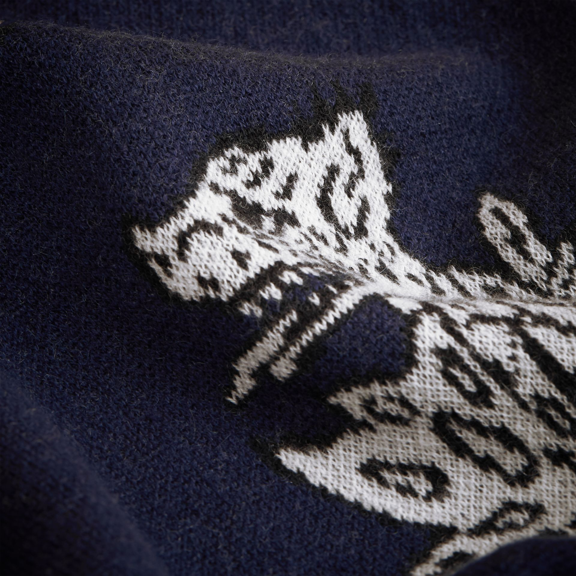 Beasts Motif Two-piece Cashmere Gift Set in Navy | Burberry - gallery image 2