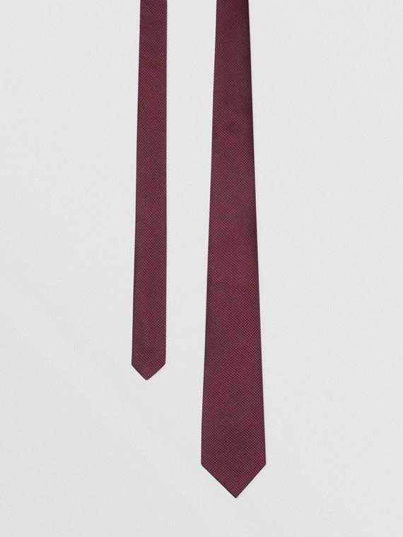 Classic Cut Woven Silk Tie in Dark Plum