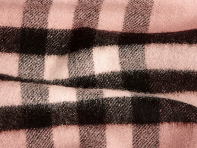 The Classic Cashmere Scarf in Check in Ash Rose - cell image 4