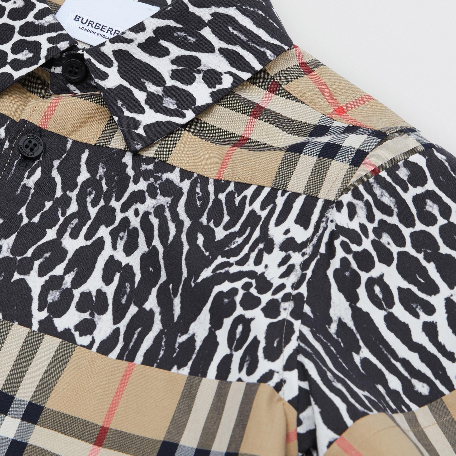 Camicia a maniche corte con motivo Vintage check e stampa leopardata (Beige Archivio) | Burberry - immagine della galleria 1