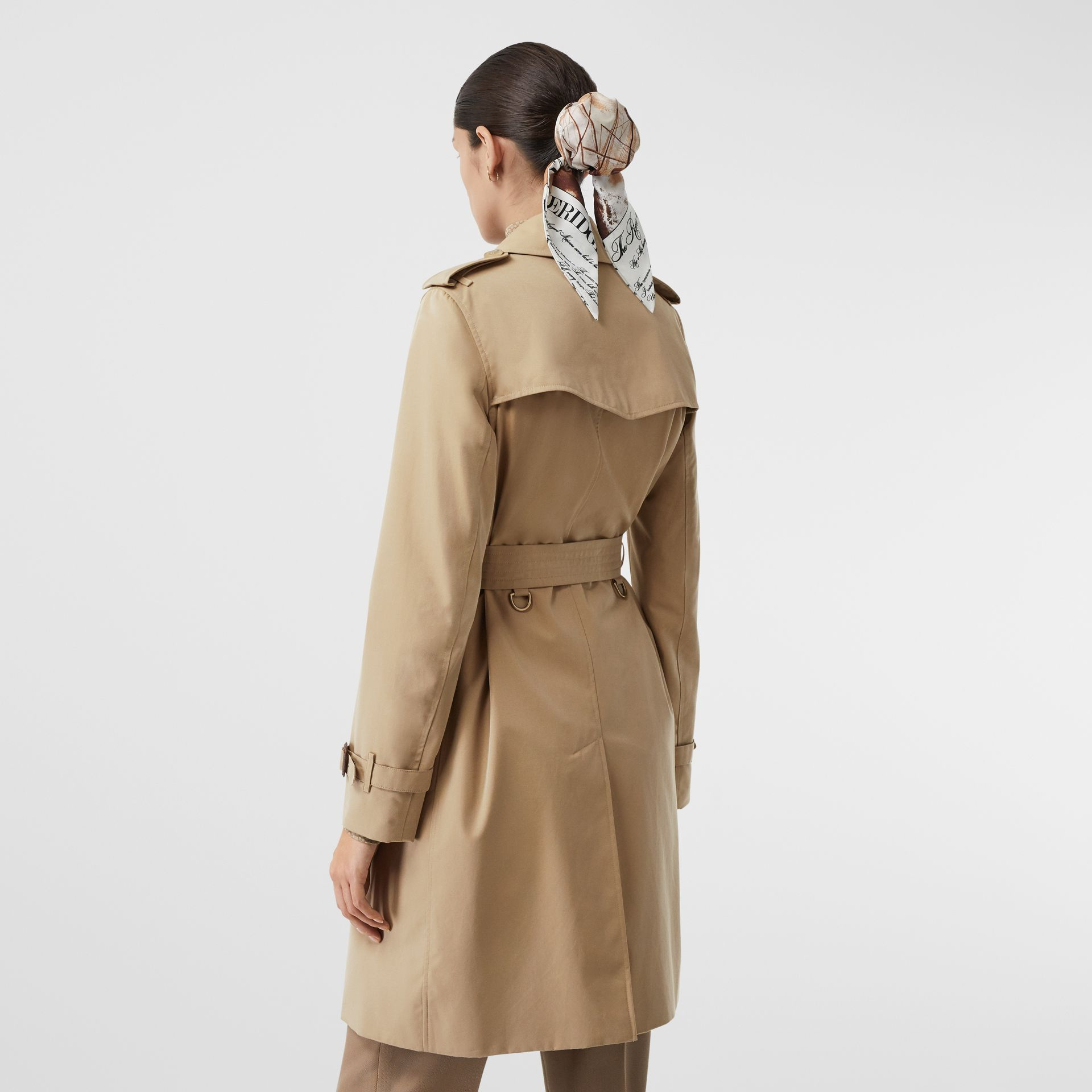 The Mid-length Kensington Heritage Trench Coat in Honey - Women | Burberry United Kingdom - gallery image 6
