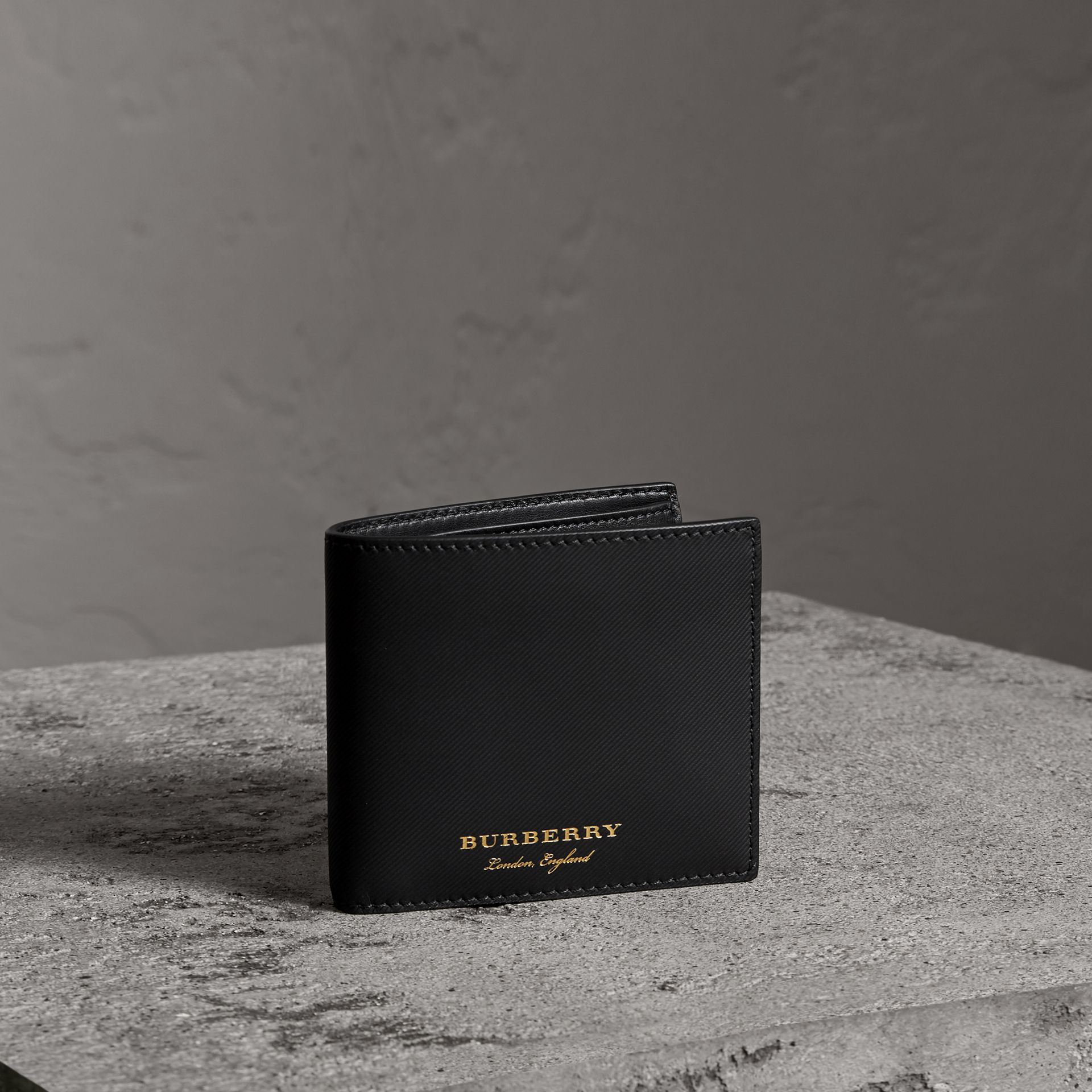 Trench Leather Bifold Wallet with Removable Card Case in Black - Men | Burberry - gallery image 0