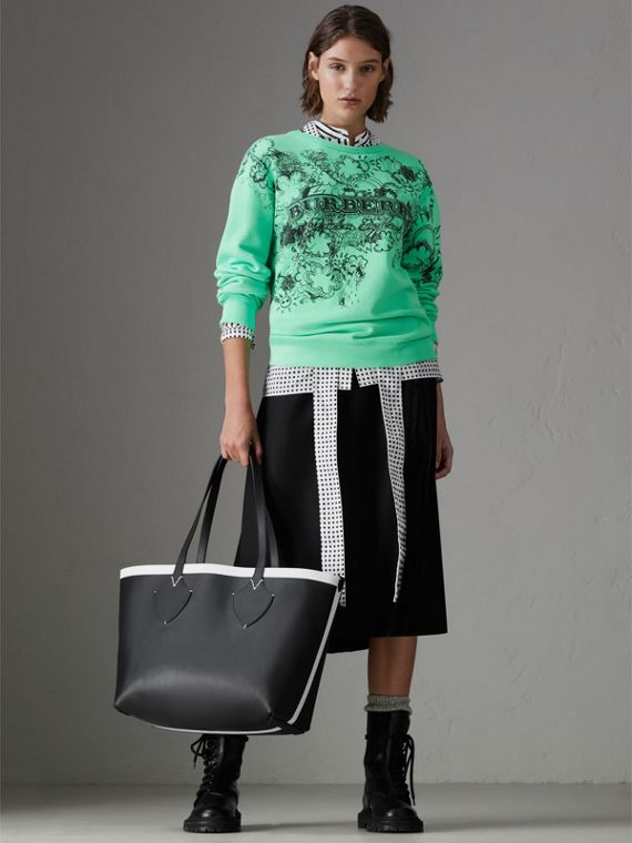 The Medium Giant Tote im wendbaren Design aus Canvas und Leder (Schwarz/weiss) | Burberry - cell image 2