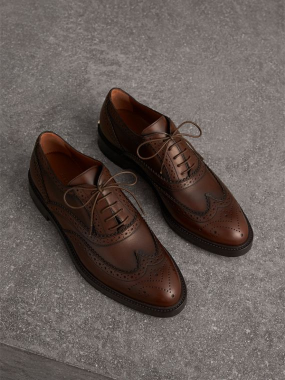Leather Wingtip Brogues in Bright Camel