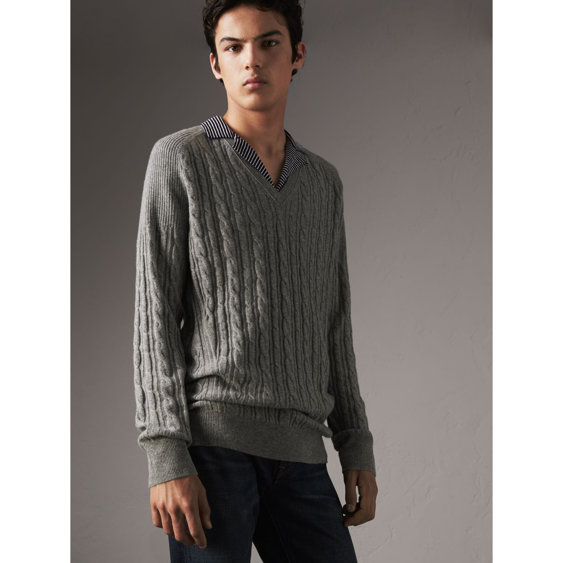 Cable and Rib Knit Cashmere V-neck Sweater in Mid Grey Melange - Men | Burberry - gallery image 5