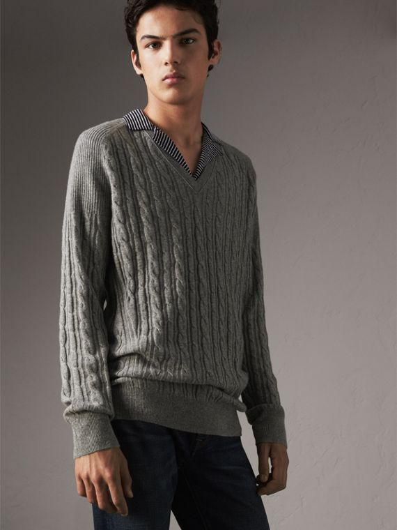 Cable and Rib Knit Cashmere V-neck Sweater in Mid Grey Melange - Men | Burberry