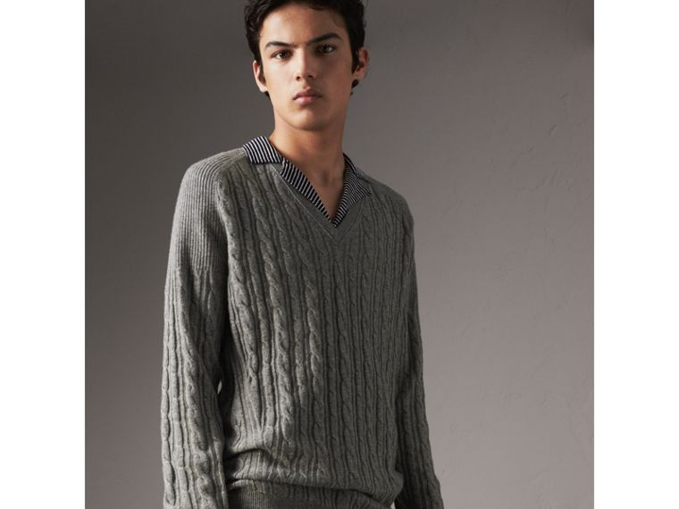 Cable and Rib Knit Cashmere V-neck Sweater in Mid Grey Melange - Men | Burberry - cell image 4