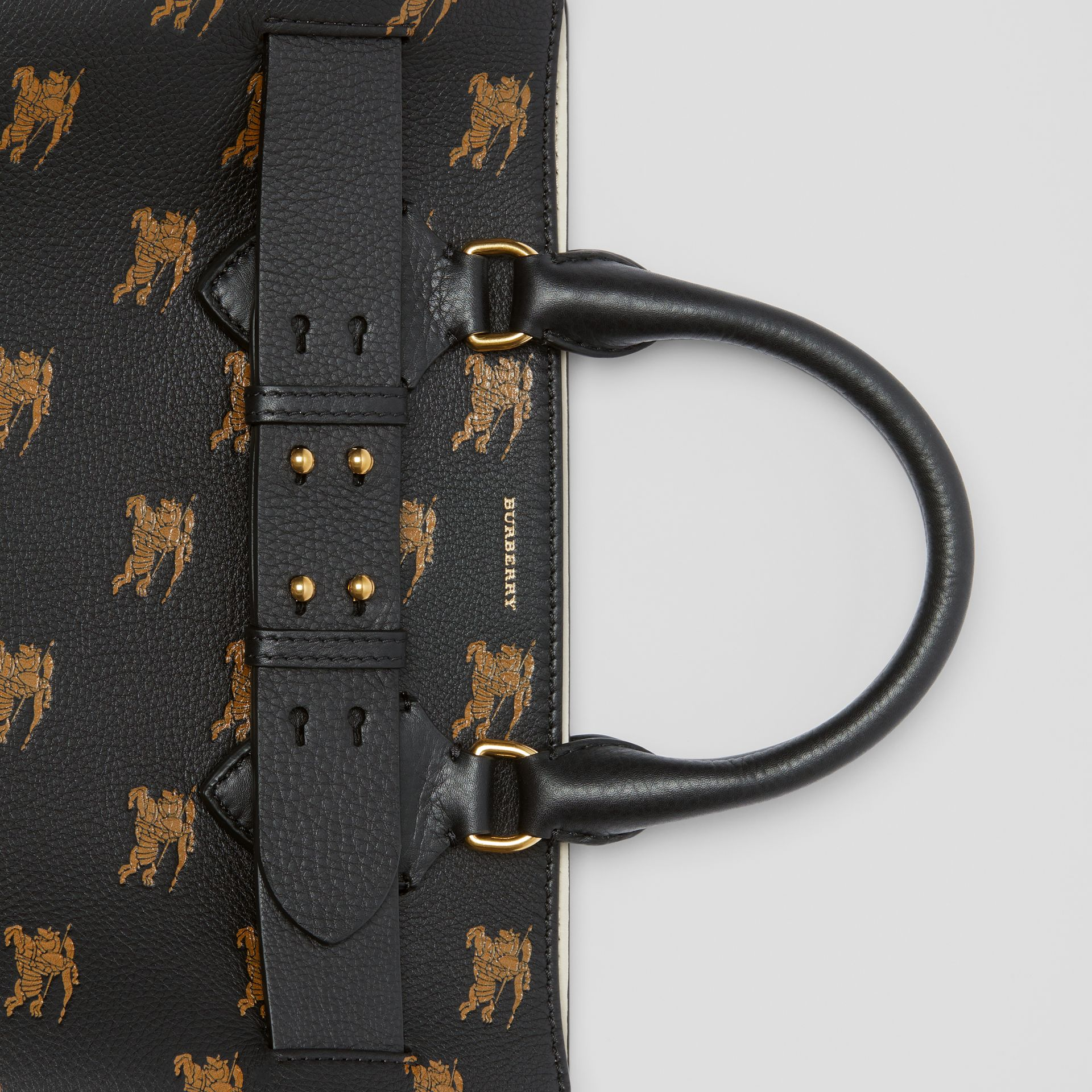 Borsa The Belt media in pelle con cavaliere equestre (Nero) - Donna | Burberry - immagine della galleria 1
