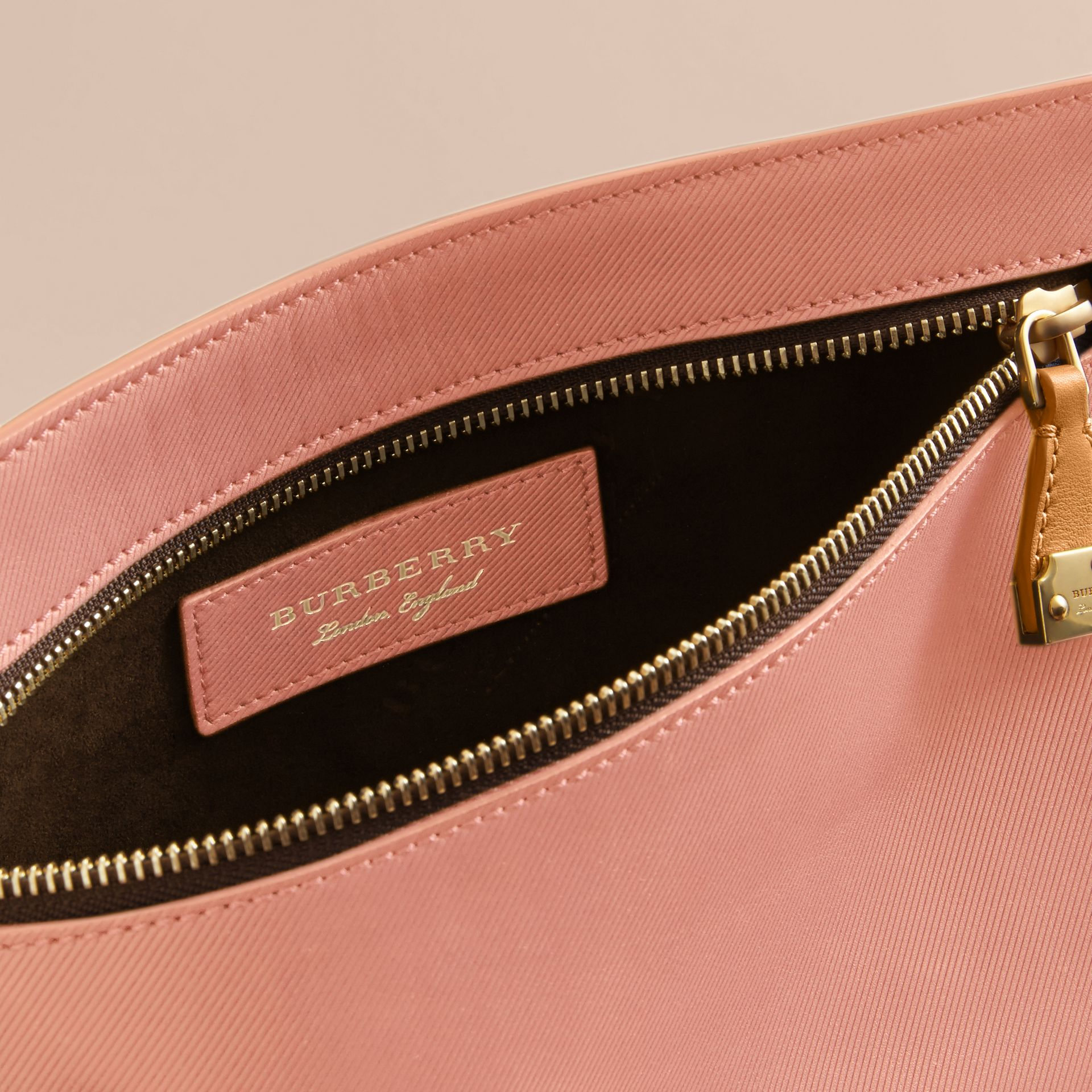 Two-tone Trench Leather Wristlet Pouch Ash Rose/pale Clementine - gallery image 5