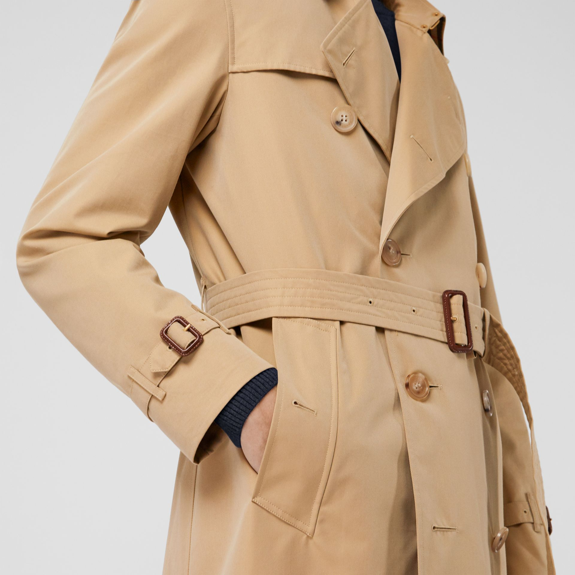 The Kensington Heritage Trench Coat in Honey - Men | Burberry - gallery image 4
