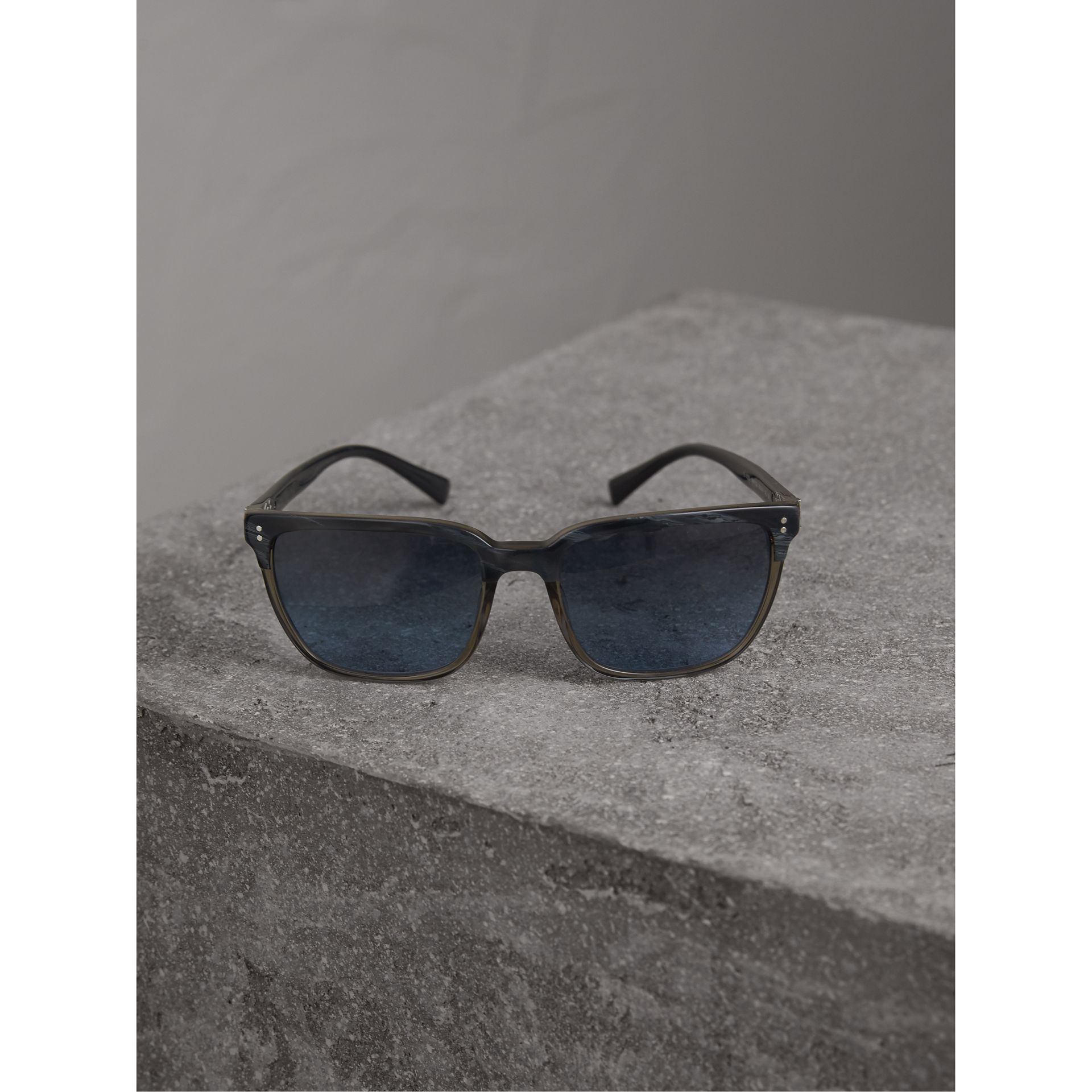 Square Frame Sunglasses in Navy - Men | Burberry United States - gallery image 2