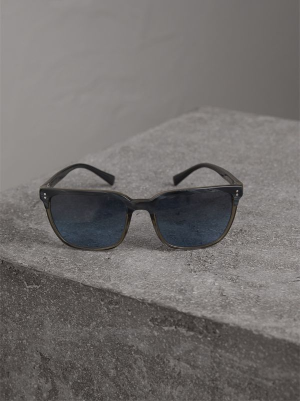 Square Frame Sunglasses in Navy - Men | Burberry - cell image 2