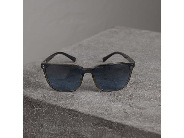 Square Frame Sunglasses in Navy - Men | Burberry Australia - cell image 2